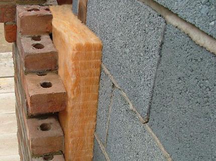 Правильный монтаж слоев облицовки гарантирует снижение потерь тепла