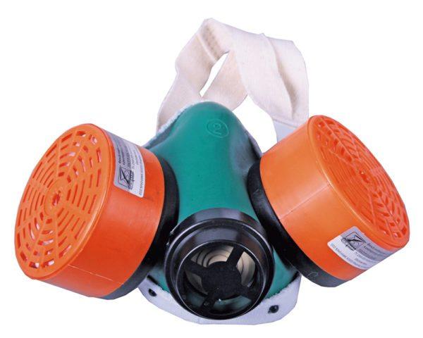 При работе с пеной не используйте маски – годится только респиратор и только с качественными фильтрующими патронами