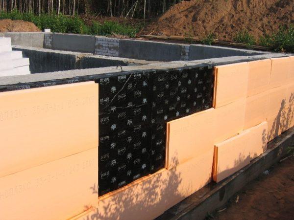 Применение битумного состава для утепления цоколя экструдированным пенополистиролом