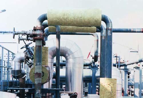 Пример использования утеплителя из базальтового волокна для изоляции наружных трубопроводов