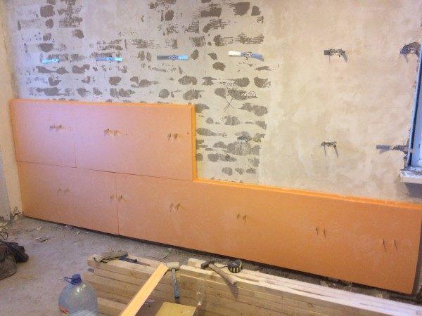 Пример крепления пеноплекса к стене