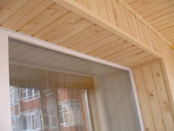 Пример установки деревянных уголков