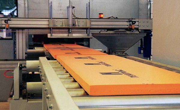Производство Пеноплекса осуществляется на современном высокотехнологичном оборудовании