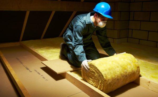 Работать с материалом необходимо в специальной одежде и респираторе.