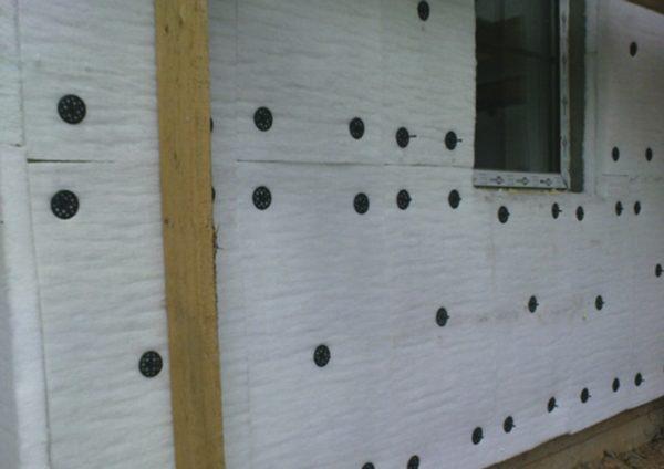 Серия Фасад представляет собой плотный утеплитель в виде матов