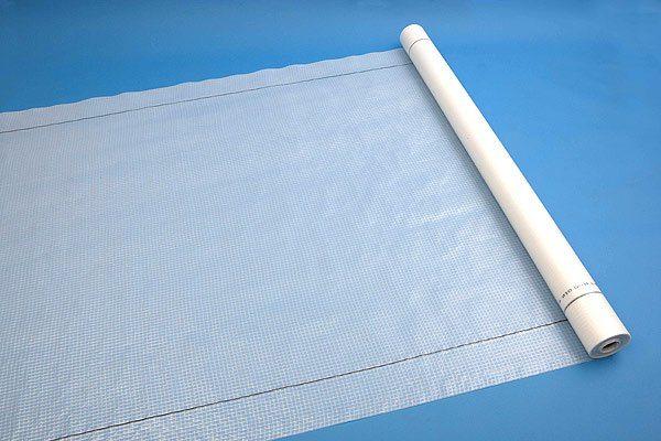 Специальная пленка защитит конструкции и утеплитель от выпадения конденсата при перепадах температур