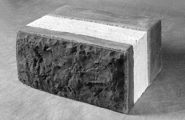 Стандартный трехслойный стеновой блок с утеплителем.