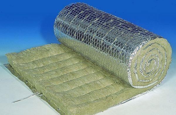 Существует разновидность ваты с фольгированной стороной и армирующей сеткой