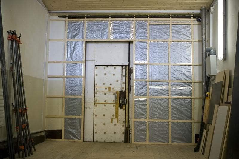 Чем утеплить железную дверь в гараже изнутри речной вокзал гараж купить