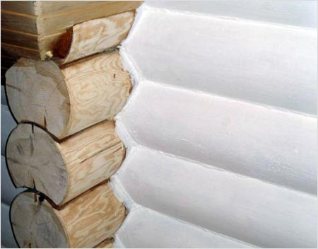 Теплоизоляция хорошо ложится на деревянную поверхность