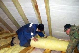 Теплоизоляция потолка в частном доме.