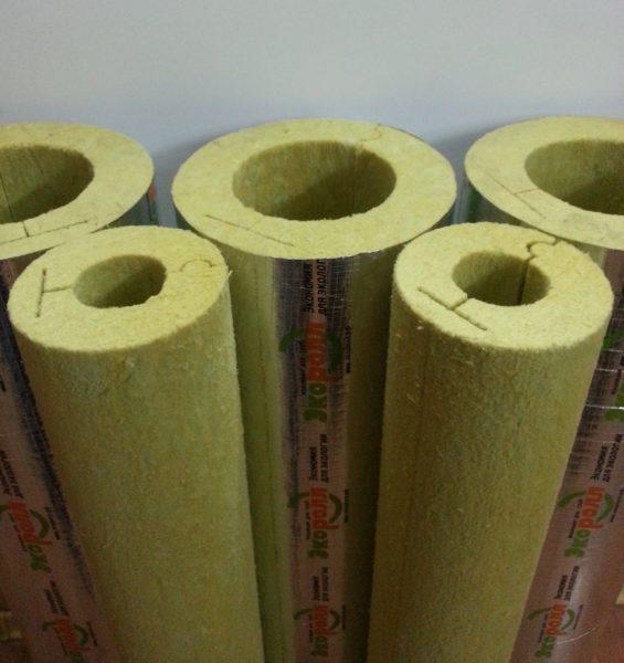 Цилиндры теплоизоляционные российской компании Экоролл применяются в промышленном и частном строительстве.