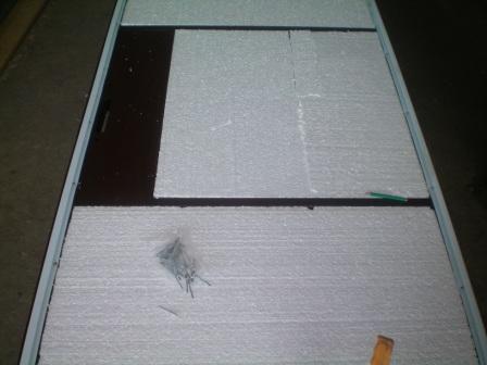 Укладка пенопласта в конструкцию полотна