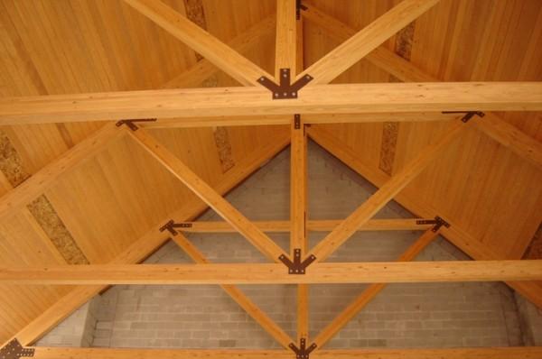 Укрепление несущих элементов крыши