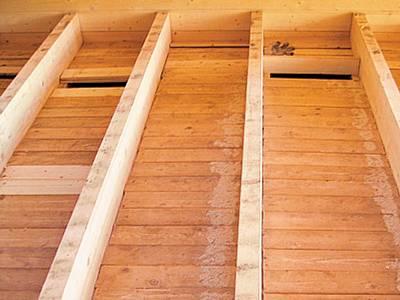 Установку лаг для утеплителя можно рассчитать заранее, на этапе строительства дома