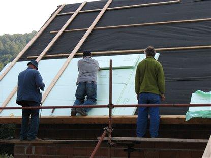 Утепление крыши полимерным материалом