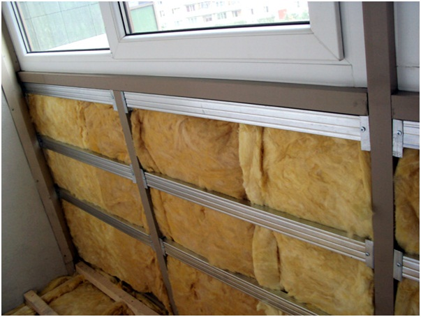 Утепление лоджии минеральной ватой с последующей облицовкой пластиковыми панелями