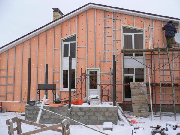 Утепление наружных стен дома пеноплексом