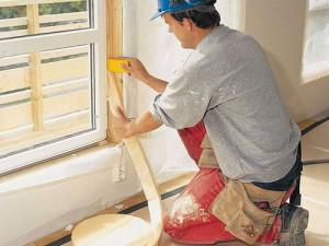 Чем и как утеплить балконную дверь своими руками