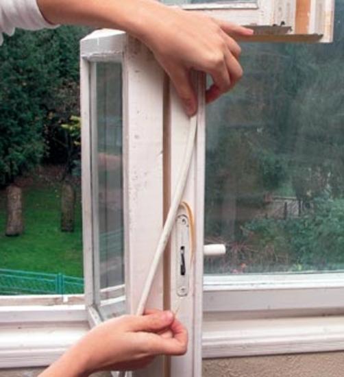 Утепление окна своими руками хорошо иллюстрирует данное фото