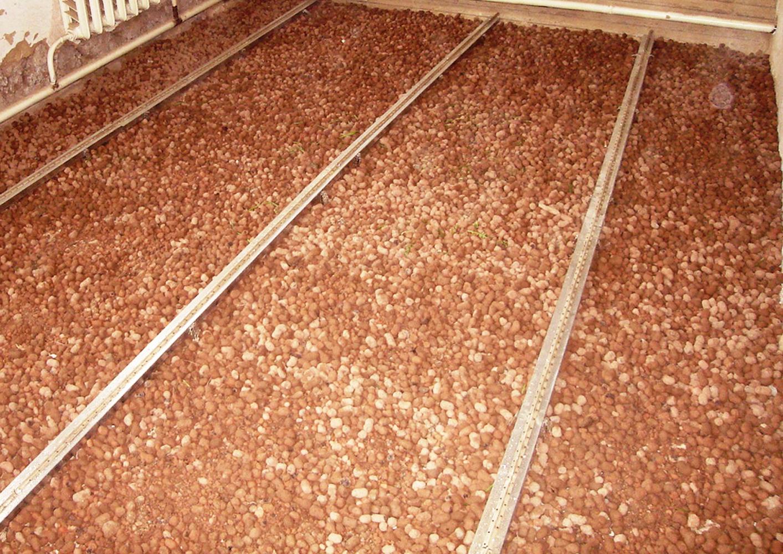 Nettoyer plafond caravane charleville mezieres cout for Poncer un plafond