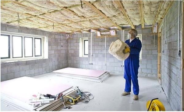 Утепление потолков в частном доме должно производиться качественным утеплителем
