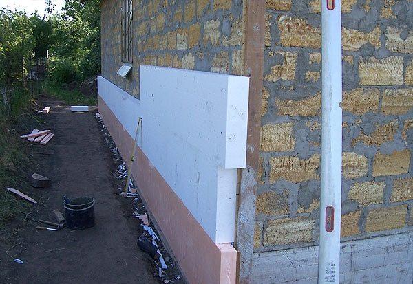 Утепление стен и других частей зданий – главная функция ПСБ-С.