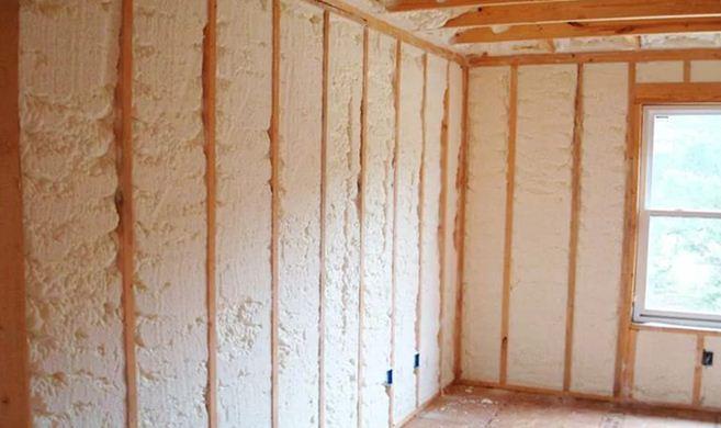 Утепленные пенополиуретаном стены перестают дышать