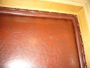 Валик из кожзама на дверной коробке