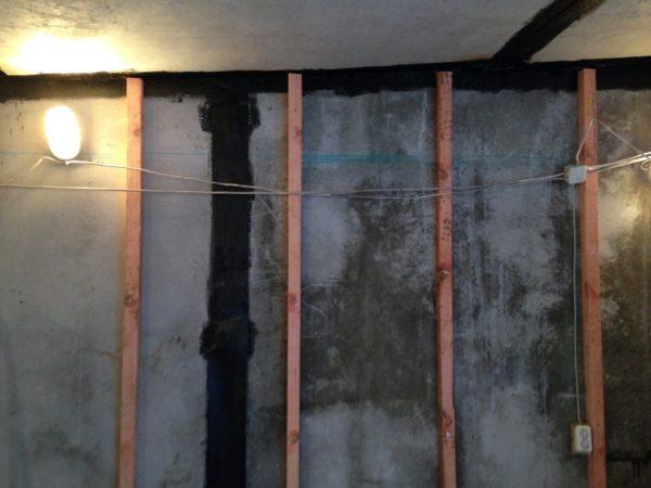 Вертикальная обрешетка по бетону для горизонтального монтажа вагонки