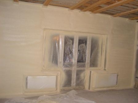 Внутреннее утепление стен полимерным изолятором