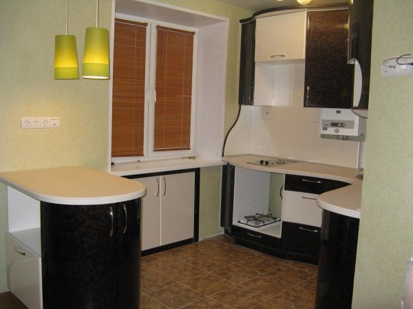 Встроенный холодильник в современном интерьере