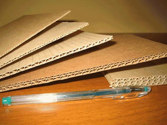Ячеистая структура гофрокартона должна защищать упакованный товар, однако она придется ко двору и в утеплителе.