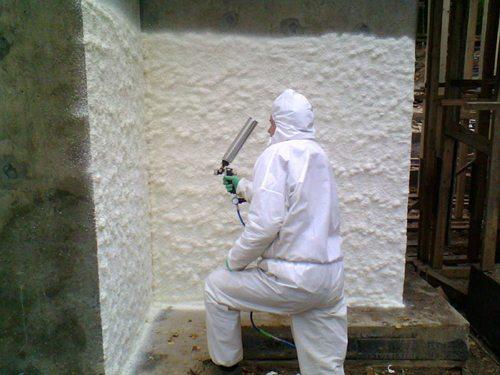 Жидкий пенопласт рекомендуется использовать только для наружных стен по причине низкой экологичности