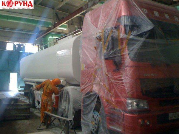 Жидкой керамической изоляцией можно обрабатывать резервуары для перевозки жидкостей.